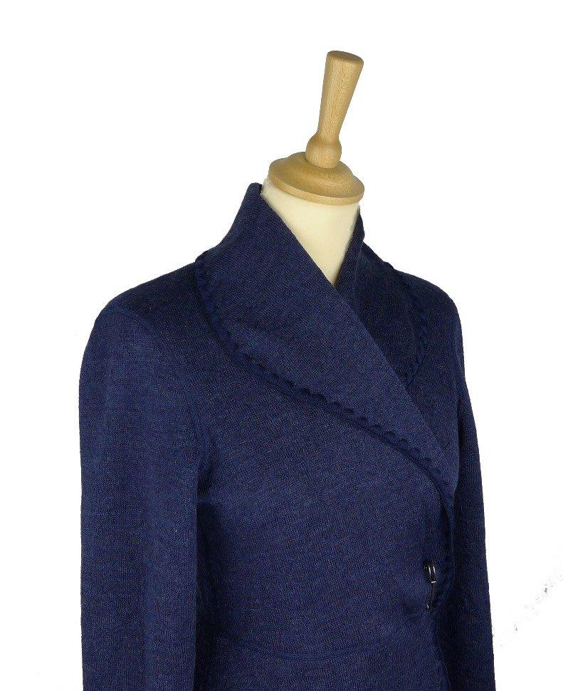 Eva kofta i jacquardvävd ull i färgen mörk blåbär 9ad9b99de89b5
